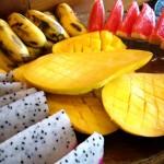 南の島の朝食の魅力のひとつは、フルーツの瑞々しさ。 フレッシュな何種類ものフルーツは、目も楽しませる。