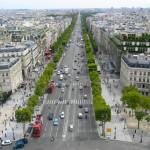 シャンゼリゼ大通りを臨む。パリの都市計画は実に素晴らしいと思わせる眺めだ。