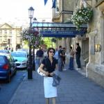 オクスフォードのホテル・ランドルフ。アフタヌーン・ティならここで、と友人夫妻に薦められた。
